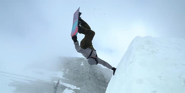 Mit dem Snowboard durchs verlassene Ski-Gebiet abandoned-winter-resort-snowboarding