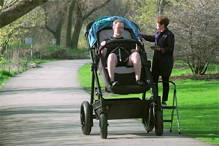 Kinderwagen für Erwachsene riesen-kinderwagen_01
