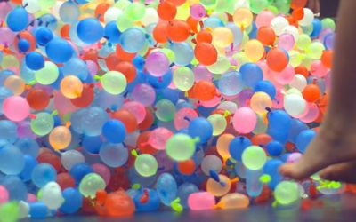 waterballoons-trampoline