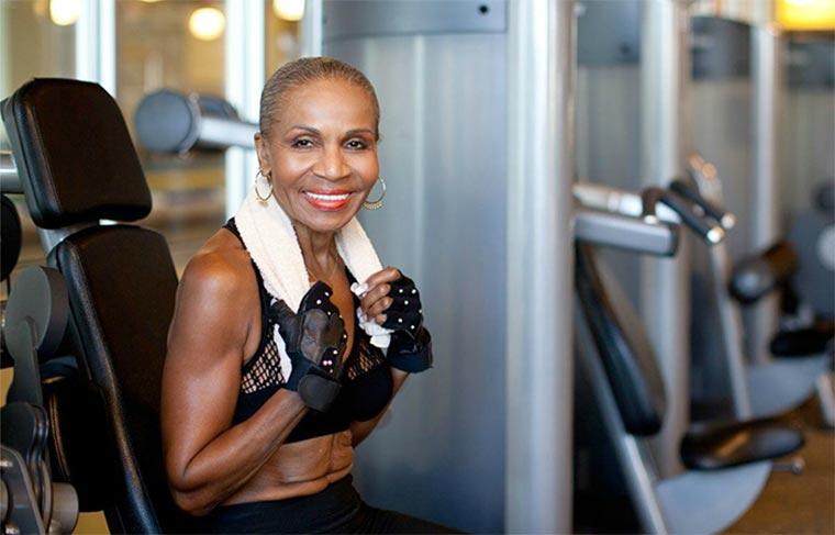 Diese Bodybuilderin ist 80! Ernestine-Shepherd_04