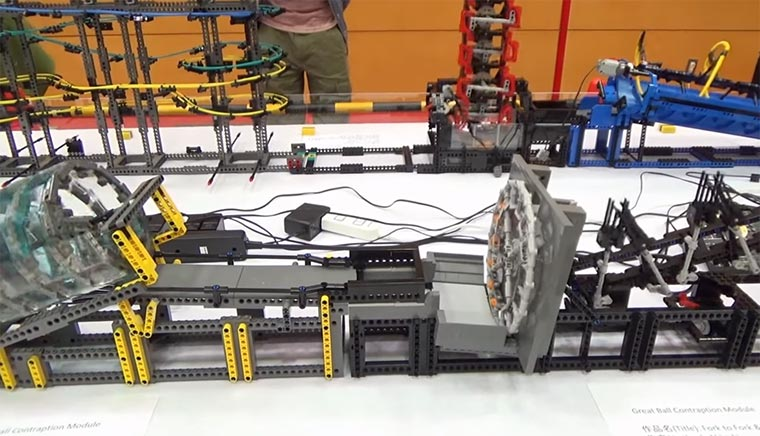 Great-Ball-Contraption-japan-brickfest-2016
