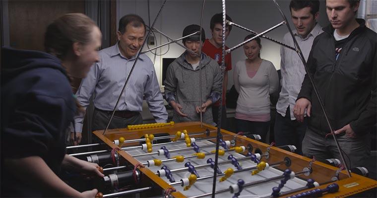 Alleine gegen den Kickertisch spielen ai-foosball