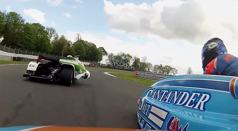 Skurriler Sport: Autorennen mit Seitenwagen f1-sidecars