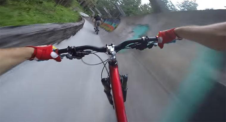 Mit dem Mountainbike die Bobbahn runter mountainbike-bobsled-track