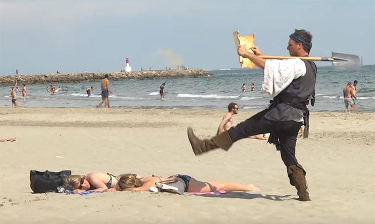 Rémi Gaillard macht einen auf Pirat remi-gaillard-pirate