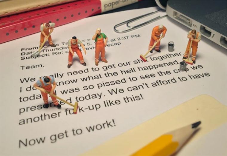 Miniaturmenschen gegen Büro-Langeweile