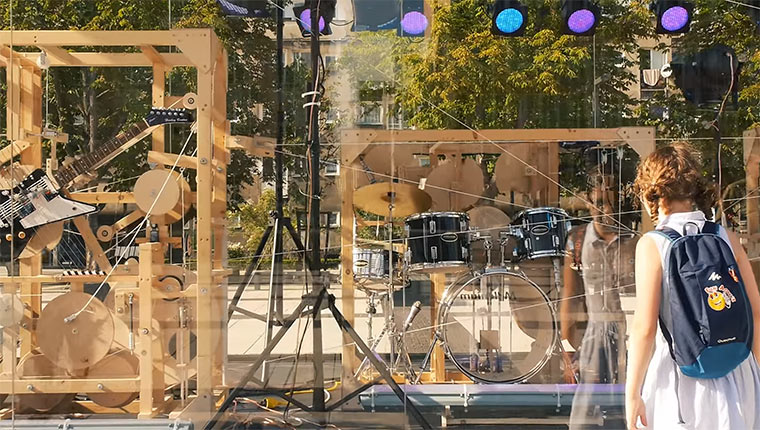 Interaktive mechanische Musik-Maschine music-construction-machine