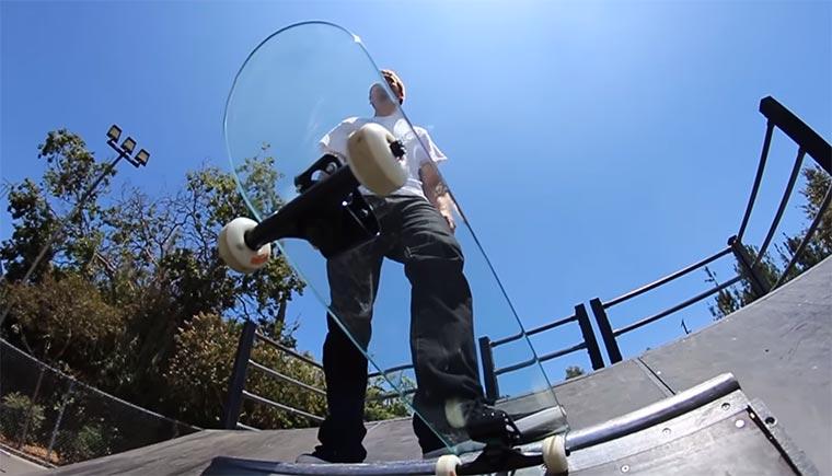 Skateboard aus Glas skateboard-aus-glas