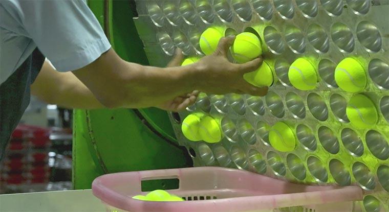 Wie Tennisbälle gemacht werden