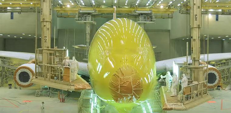 Timelapse: Neulackierung eines Airbus A380