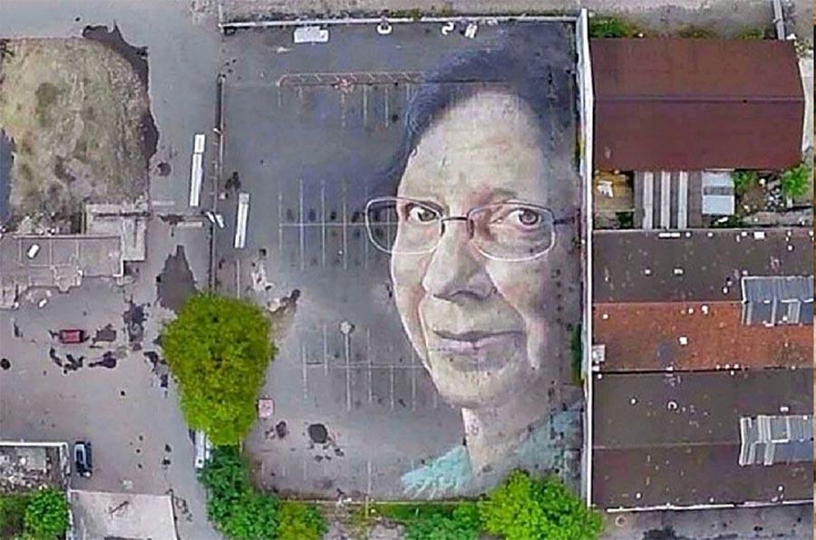 Gigantische Portraits auf Satellitenbildern