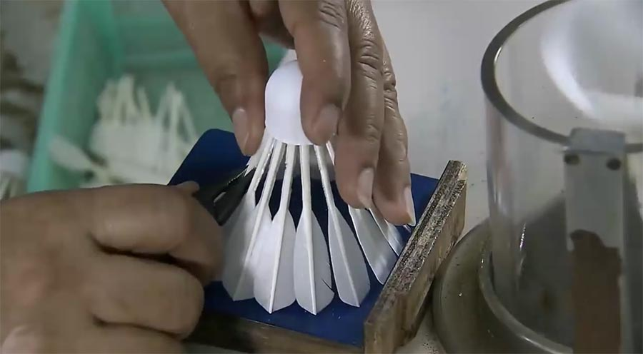 So werden Federbälle hergestellt federballfabrik