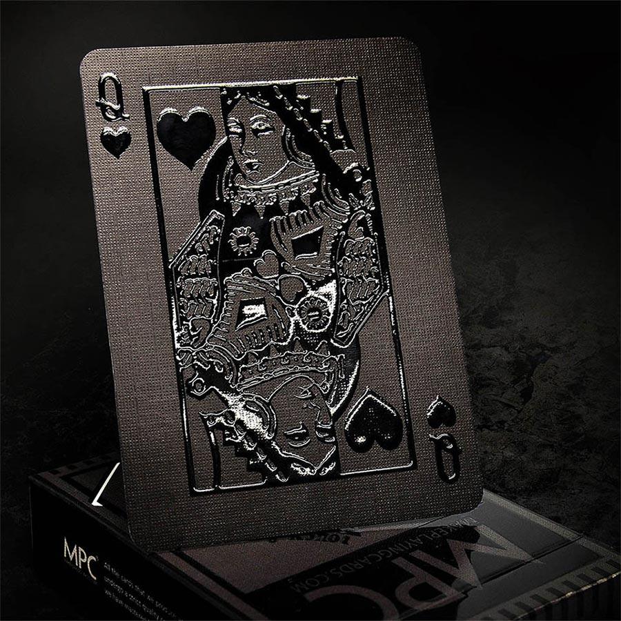 Komplett schwarzes Kartendeck stealth-card-deck_03