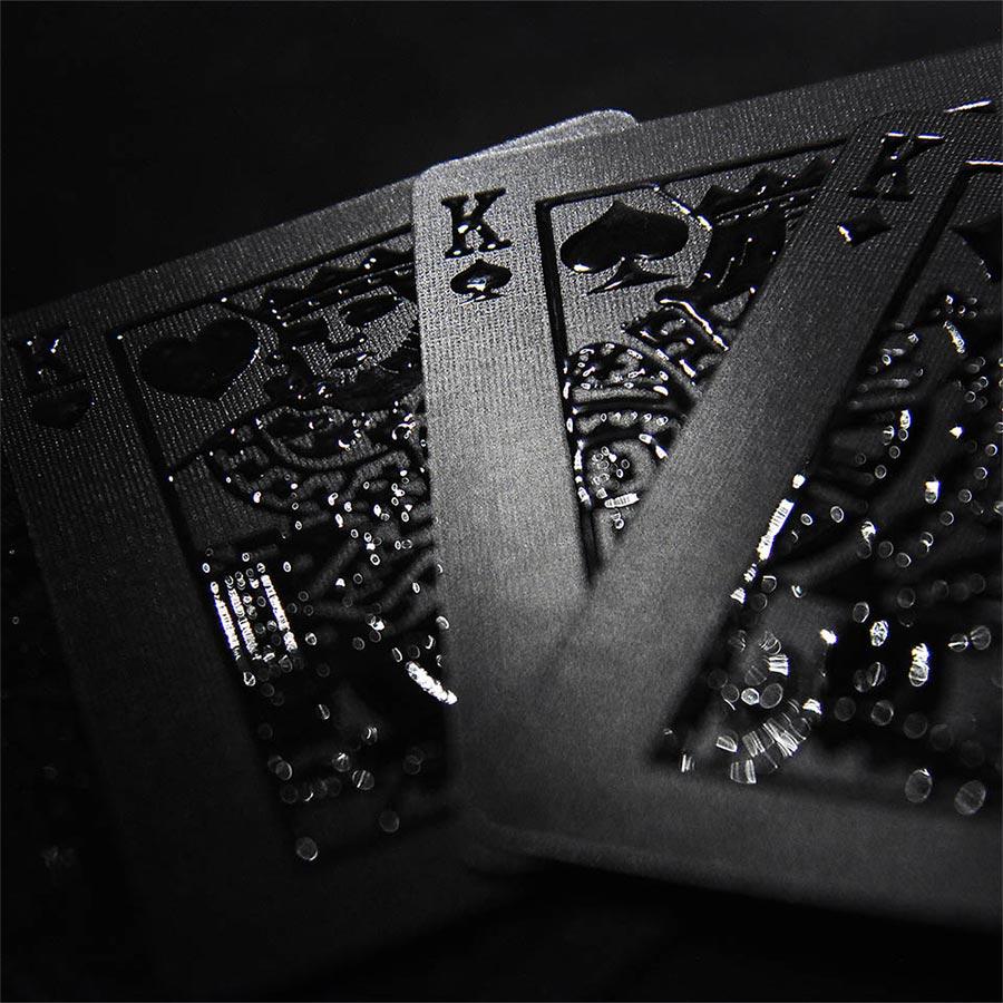 Komplett schwarzes Kartendeck stealth-card-deck_04