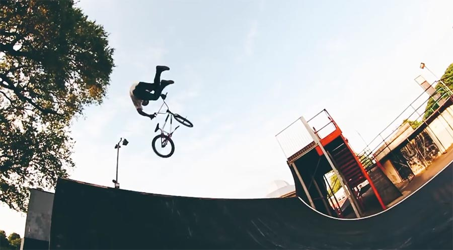 BMX-Tricks mit Mark Webb the-webbie-show-3