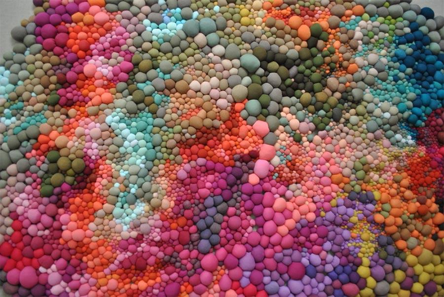 Teppiche aus bunten Kügelchen Serena-Garcia-Dalla-Venezia_06