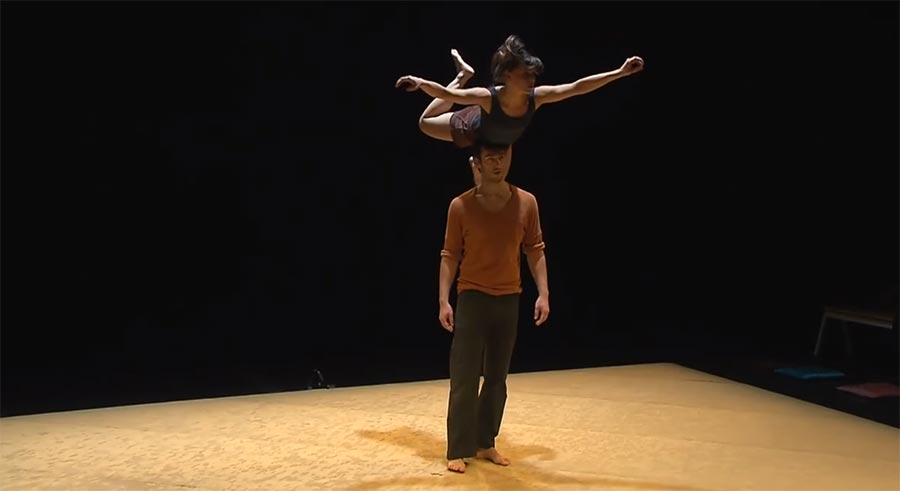 Tanz trifft Akrobatik