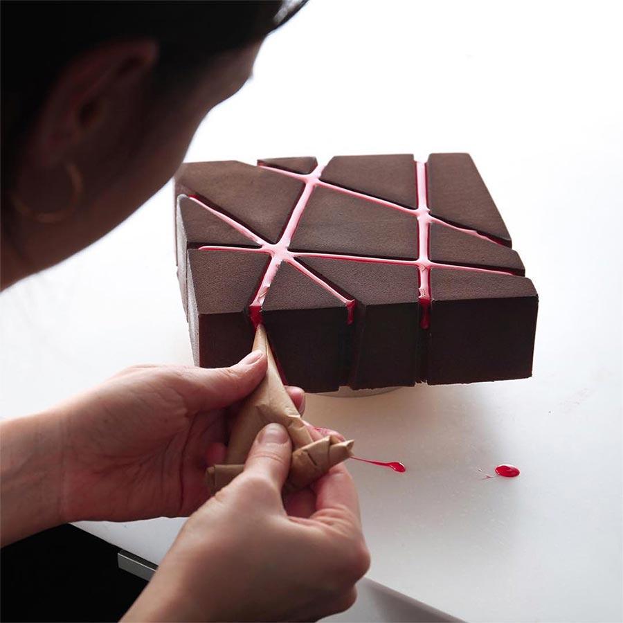 Geometrische Kuchenkunst geometric-cakes-Dinara-Kasko_02
