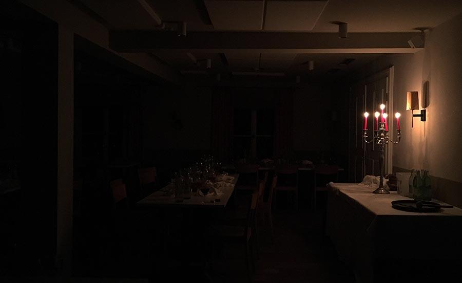 Wenn das Auge nicht mitisst geschenkidee-dinner-in-the-dark_06