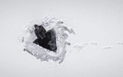 johanna-under-the-ice