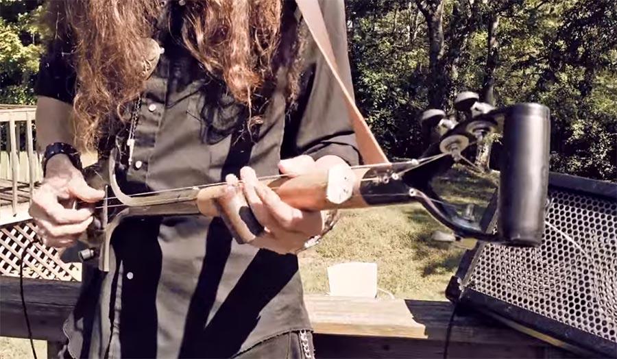 Dreisaitige Schaufel-Gitarre 3-string-shovel-guitar