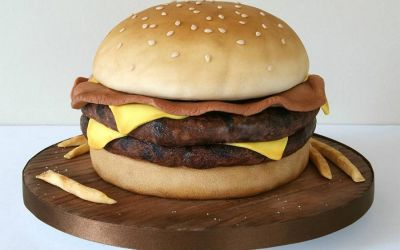 laura-loukaides-fast-food-cakes_01