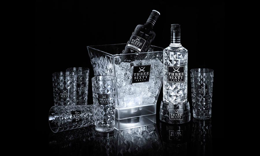 Gewinnt ein Partypaket von THREE SIXTY VODKA THREE-SIXTY-VODKA-Light-Up-The-Night_01