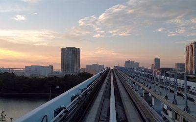 Mit dem Tokio-Zug in den Sonnenaufgang fahren
