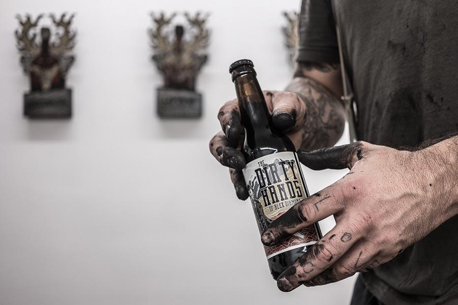 Gewinnt einen Kunst-Workshop mit Alex Diamond - oder sein Bier The-Dirty-Hands-of-Alex-Diamond_05