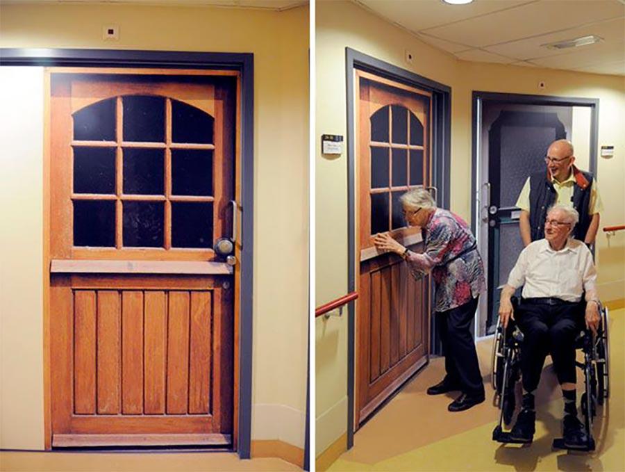 Demenz-Heim-Bewohner erhalten ihre alte Tür demenz-tueren_04