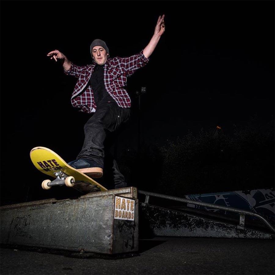 Skateboard-Fratzen zum Zershredden hate-boards_04