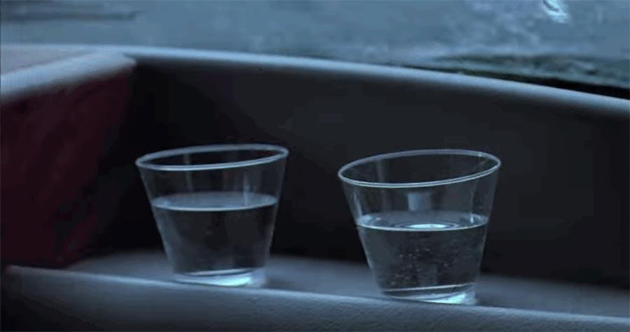 Umsetzung der Wasserglas-Szene in Jurassic Park