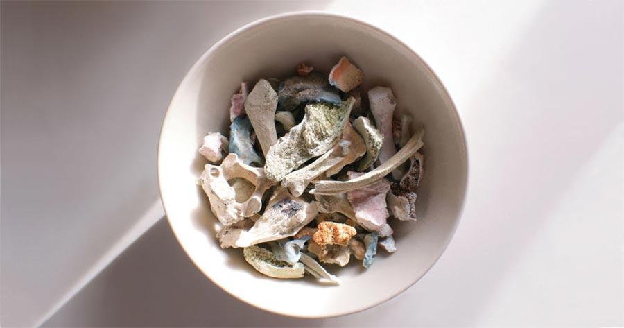 Geschirr aus Menschenknochen menschenknochengeschirr_02