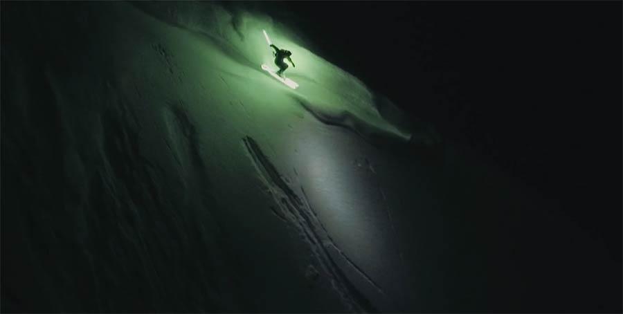 Auf leuchtenden Skiern MOONLINE-led-skier