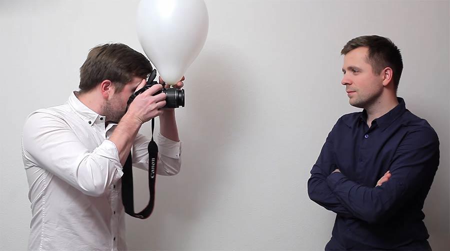 So hilft euch ein Ballon beim Blitzlicht-Fotografieren