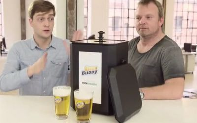 Der Beer Buddy schenkt euch Bier von unten ein