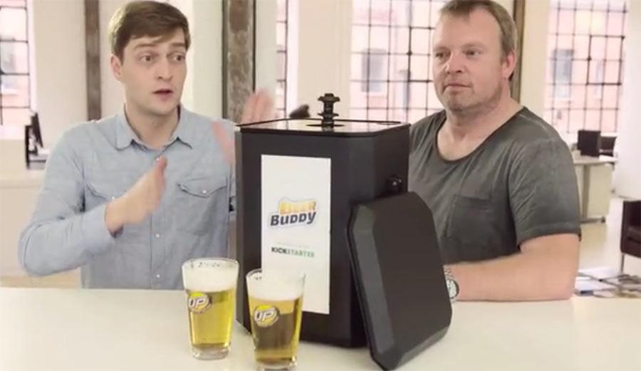 Der Beer Buddy schenkt euch Bier von unten ein beer-buddy-bottom-up_01