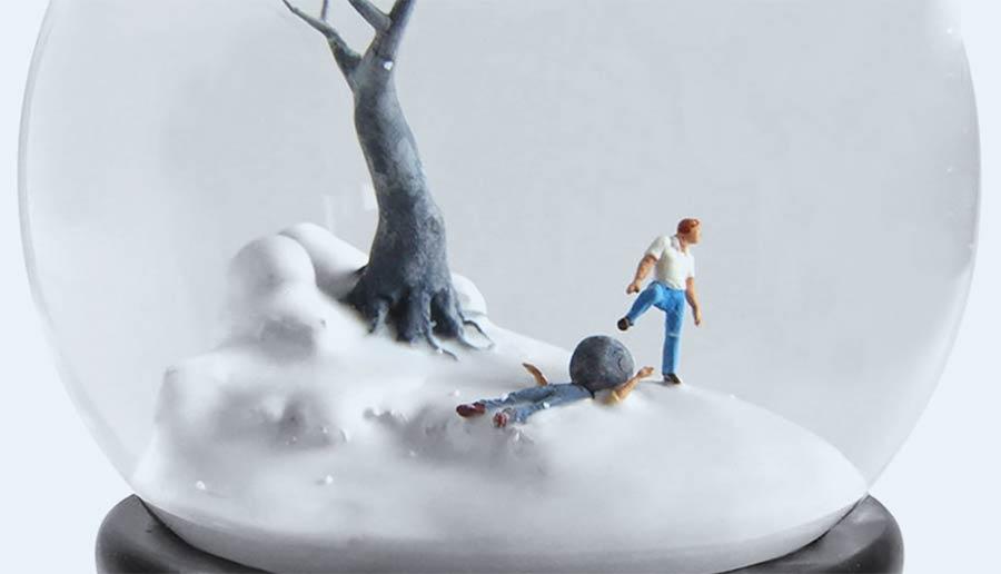 Portrait über moderne Schneekugelmacher