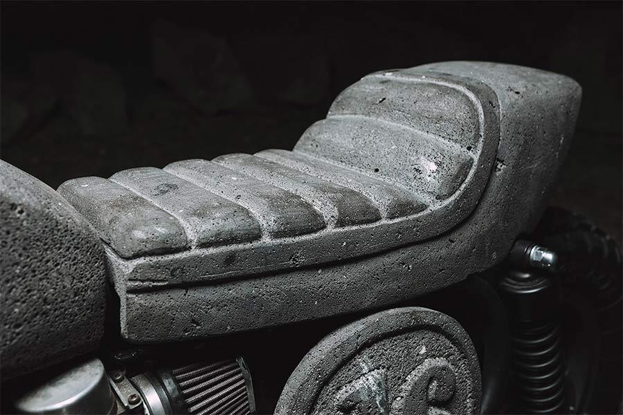 Motorrad aus Stein CX500_made-of-stone_04