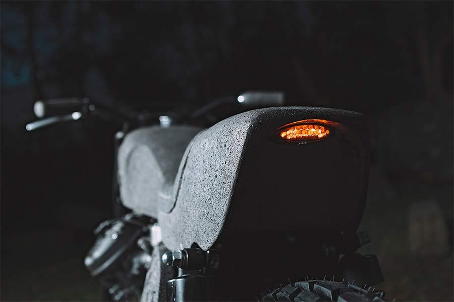 Motorrad aus Stein CX500_made-of-stone_07