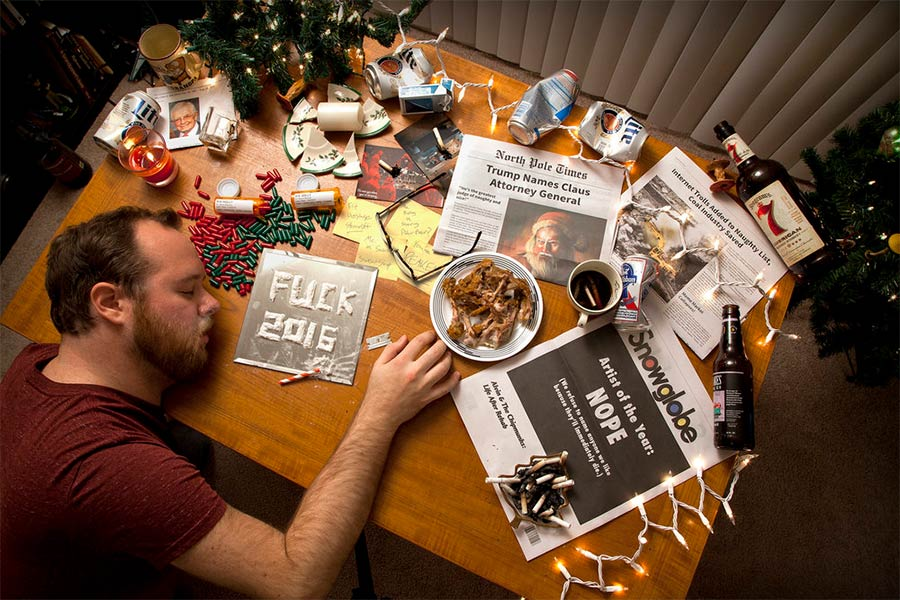 John Cessna erstellt die bescheuertsten Weihnachtskarten John-Cessna-christmas-cards_01