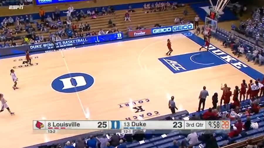 Basketballteam gaukelt Gegner falschen Angriffskorb vor Louisville-women-basketball