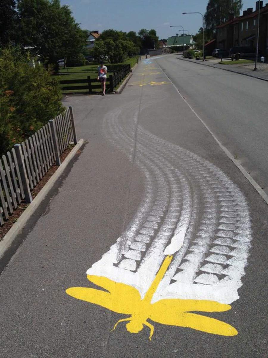 Street Art: Roadsworth Roadsworth_05
