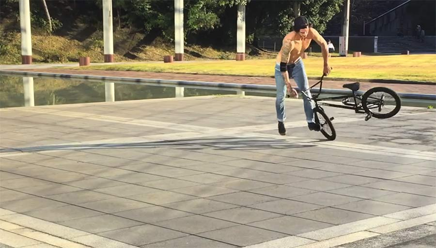BMX: Flatland-Tricks von Matthias Dandois The-flat-side-of-things-2