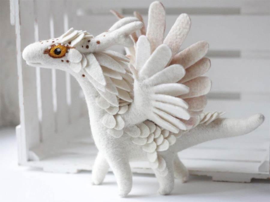 Liebevoll gestaltete Filz-Drachen felt-dragons_05