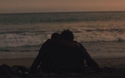 Rückwärts erzählte Geschichte über die Liebe