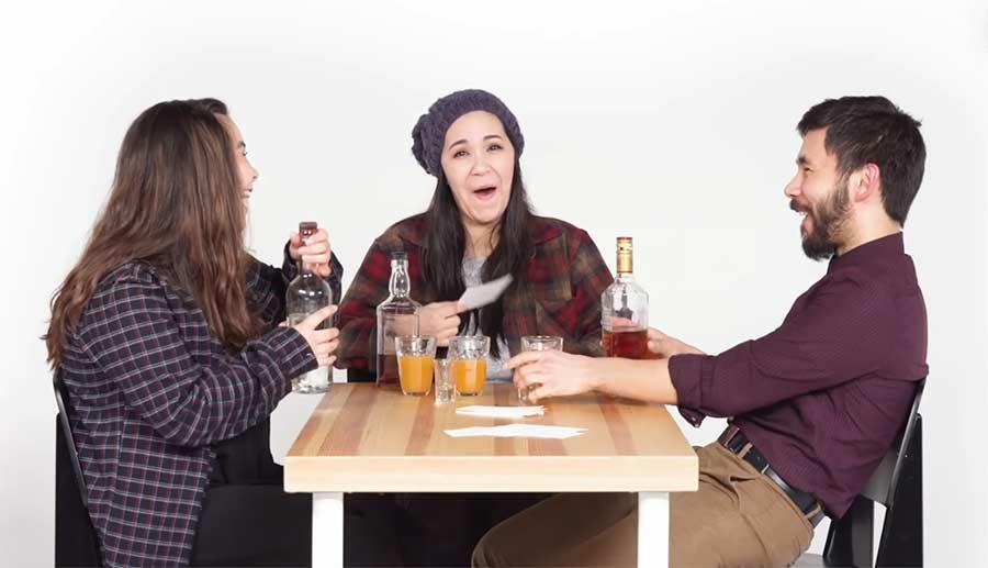 Wahrheit oder Schnaps: Geschwister Edition truth-or-drink-siblings