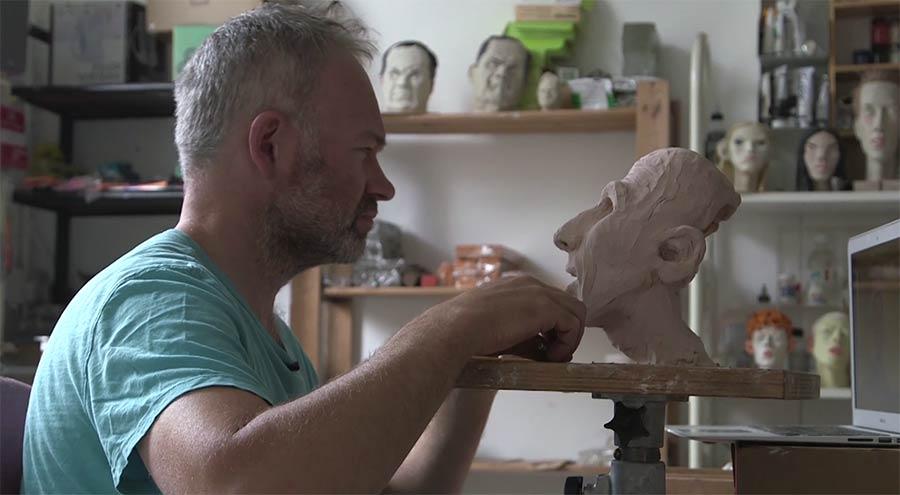 Profi-Skultpeur Wilfrid Wood erzählt über sein Handwerk