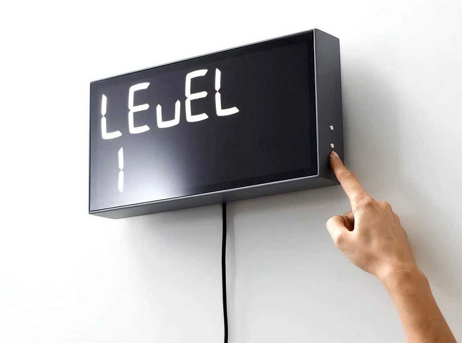 Diese Uhr lässt euch rechnen, wie spät es ist albert-clock_02