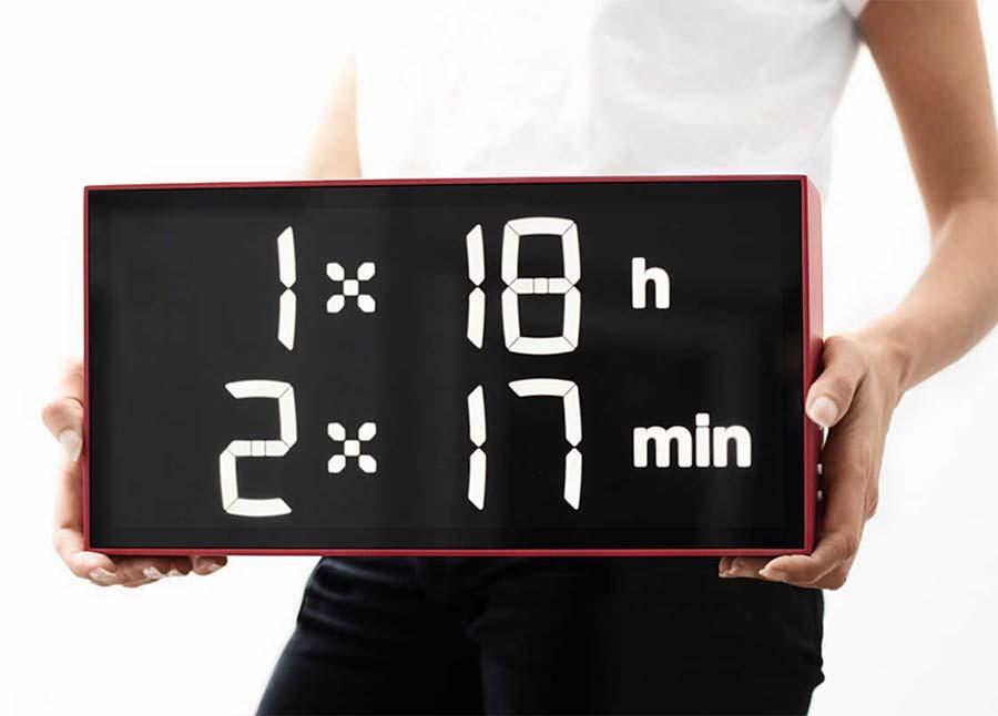 Diese Uhr lässt euch rechnen, wie spät es ist albert-clock_03